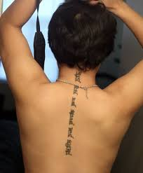 Tattoos For Middle Of Back Afbeeldingsresultaat Voor Middle Back Tatts
