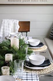 classic christmas tablescape hendrick design co christmas table setting in the breakfast nook the wood grain cottage