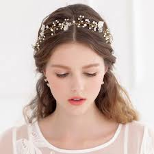 beautiful hair accessories for weddings