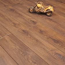 Balterio Laminate Flooring Balterio Tradition Quattro Tasmanian Oak 498 9mm Laminate Flooring