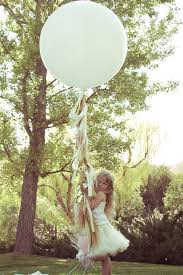 big plastic balloons top 10 diy party balloons that channel weddings