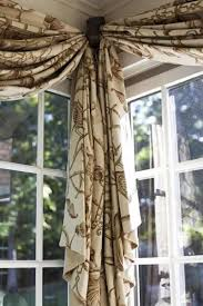How To Put Curtains On Bay Windows Best 25 Bay Window Treatments Ideas On Pinterest Bay Window
