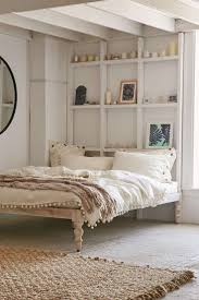 White Bedrooms Pinterest by Best 25 No Headboard Bed Ideas On Pinterest Small Room Decor