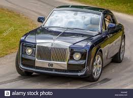 roll royce celebrity rolls royce wraith black badge stock photos u0026 rolls royce wraith