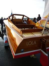lars herfeldt builds a gentleman u0027s runabout at the boatbuilding