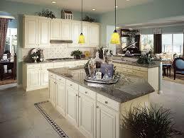 backsplash for cream cabinets the advantages of cream cabinets color