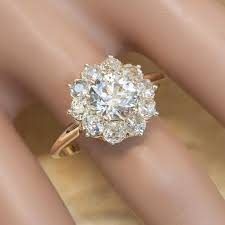 Flower Wedding Ring by Best 25 Flower Diamond Rings Ideas On Pinterest Unique Promise