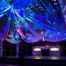 Christmas Party Decoration Packages by Best 25 Winter Wonderland Theme Ideas On Pinterest Winter