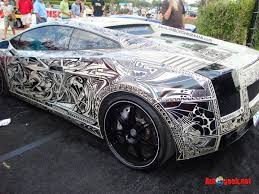 not my style of car but what an interesting paint job style