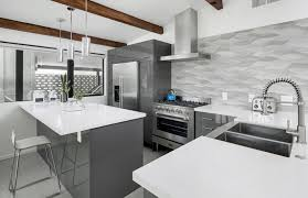 grey and white kitchen backsplash fpudining