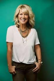 hair styles for deborha on every body loves raymond i love natalie grant s hair beautiful hair pinterest
