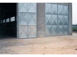 porte per capannoni portoni scorrevoli per stalle portone per stalla portone