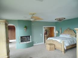should i paint my house before selling what color to paint bedroom to sell house adjoining room beige pic