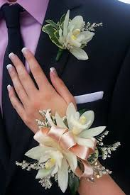 white corsages for prom 35 best prom corsages and boutonnieres images on prom