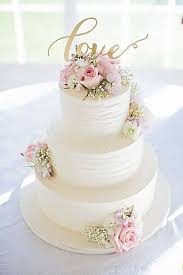 simple wedding cakes 24 simple chic wedding cakes chic chic