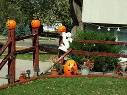 best halloween decorated yards