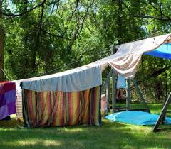 DIY Forts To Build With Your Kids This Summer Tipsaholic - Backyard fort designs