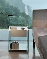 comodini in cristallo il comodino in vetro curvato milo fiam italia