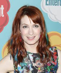 what is felicia day s hair color comic con felicia day welcomed back to supernatural season 9