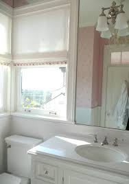 rollos f r badezimmer raffrollos fürs badezimmer sorgen für eine vollkommene
