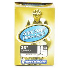 chambre a air vtt 26 michelin chambre à air vtt c4 aircomp ultralight 26x1 5 2 20 valve