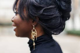 statement earrings how to wear statement earrings trend report millennielle