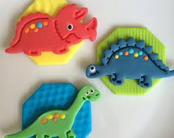dinosaur cupcakes dinosaur cupcake toppers 12