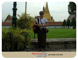 dress code for visiting temples and palaces in thailand