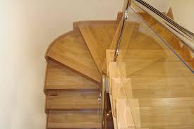 treppe mit laminat treppe verkleiden tipps zu materialien und techniken für