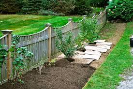 Cheap Backyard Fence Ideas by Backyard Fence Ideas Cheap Colors Backyard Fence Ideas