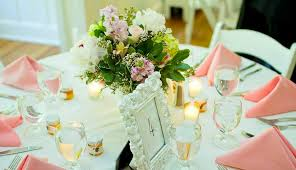 Table Centerpieces For Wedding Tips And Tricks To Decorate Your Wedding Tables Everafterguide