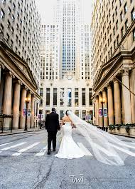 Wedding Photography Chicago Wedding Images Outside The Chicago Board Of Trade Happy Couples