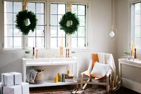 home decor idea using greenery in this christmas christmas home decor ideas