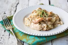 cuisiner des aiguillettes de poulet recette facile aiguillettes de poulet à la crème de poireau