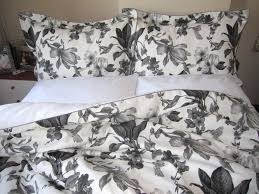 cool image of bedroom decoration using flower black and white