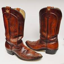s boots in size 11 gold crown s boots cowboy whip stitch brown