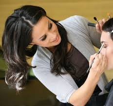 learn makeup artistry learn to apply your makeup like a pro with master makeup artist