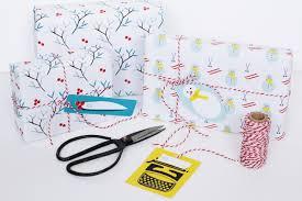 hello wrapping paper les papiers cadeaux monsieur papier hello hello and wrapping papers