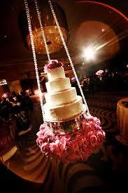 Wedding Cake Display Fabulous Wedding Cake Table Ideas Using Flowers Belle The Magazine