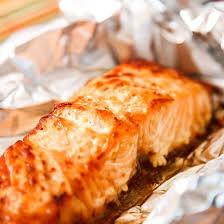 cuisiner du saumon au four recette saumon aux pruneaux et moutarde en papillote
