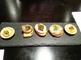 canapé hton fly executive lounge cold canapes picture of crowne plaza manchester