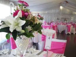 Vase Table L Table Des Mariés Avec Un Drapage En Organza Lialas Et Deux Vases à