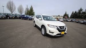 2017 nissan rogue white 2017 nissan rogue sv pearl white hw251023 kent tacoma