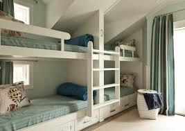 chambre couleur grise chambre à coucher avec des escaliers badine la chambre de couleur grise