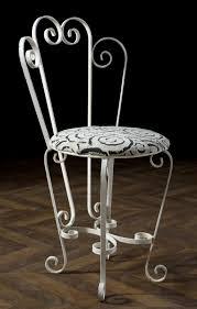 chaises en fer forgé chaise fer forgé ancienne vintage blanche volutes meuble