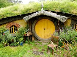 hobbit houses and house interior on pinterest idolza