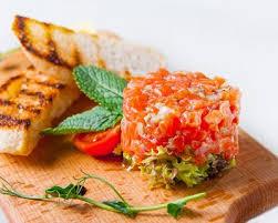 comment cuisiner la saumonette recette saumonette à la tomate