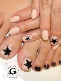 easy nail art for toes 15 easy nail art for toes easy nail art pedicures and pedicure ideas
