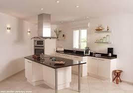 mur de cuisine le suspension fantaisie en forme de triangle comptoir bois
