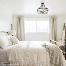 How To Decorate A Guest Bedroom - one room challenge week seven farmhouse style guest bedroom